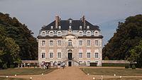 Château de Reverseaux vu du parc.JPG