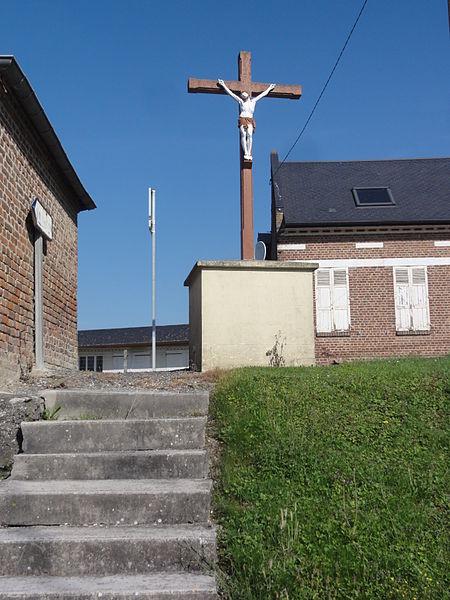 Châtillon-sur-Oise (Aisne) croix de chemin