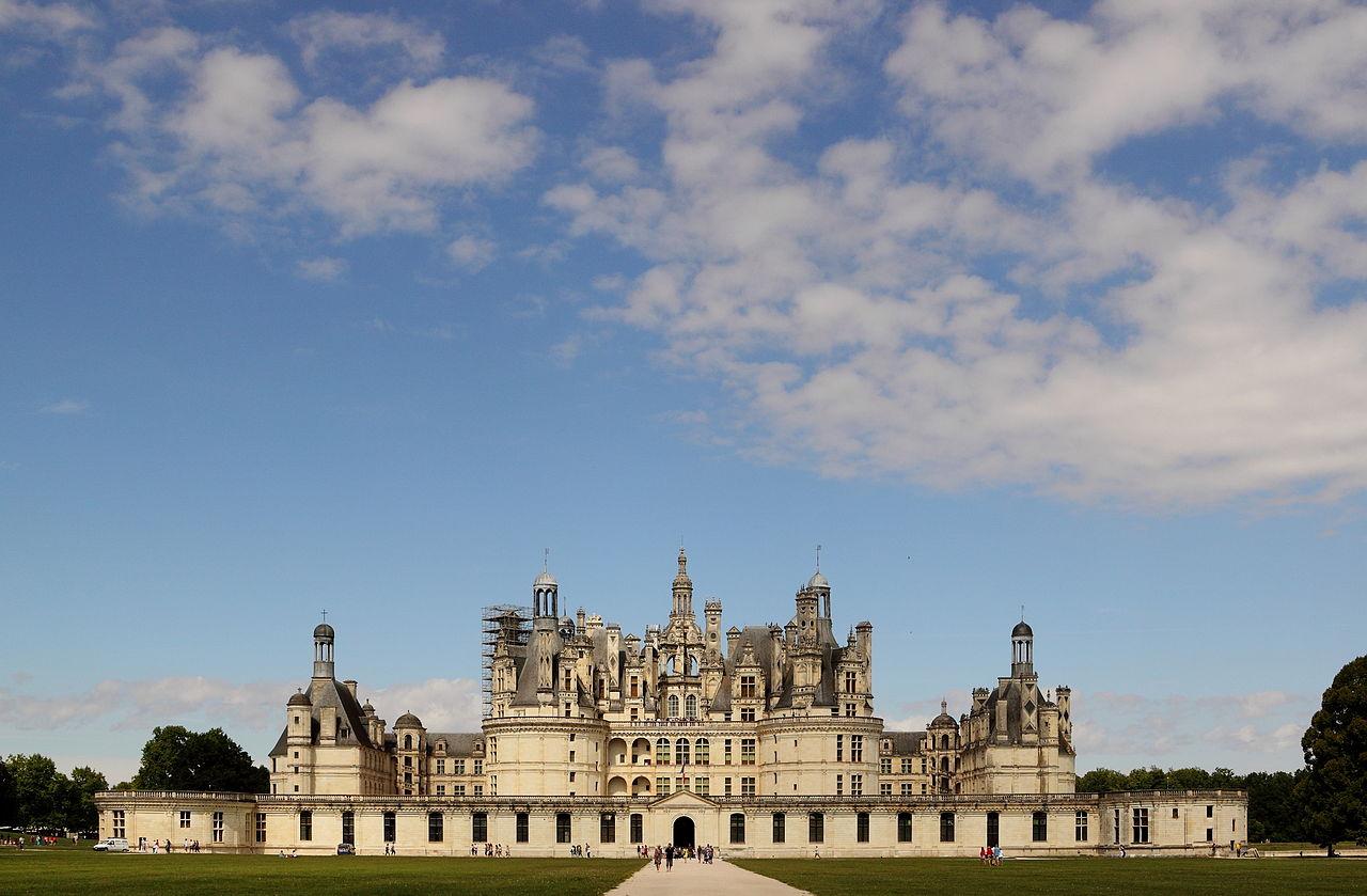 Le château de Chambord, dans la région française du Centre.  (définition réelle 4417×2895)