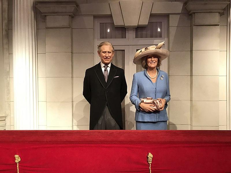 File: Charles, Príncipe de Gales e Camille, Duquesa da Cornualha no Madame Tussauds em Londres 2019-07-17.jpg