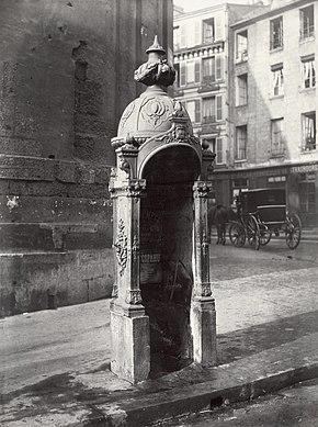 Charles Marville, Urinoir à 1 stalle fonte et maçonnerie, Faubourg Saint-Martin, ca. 1865.jpg