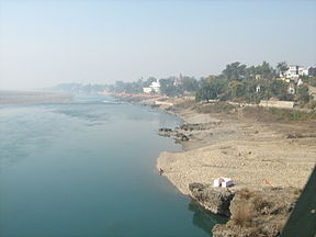 Chenab River in Akhanoor, India.jpg
