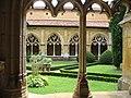 Cloître de l'abbaye de Cadouin.jpg