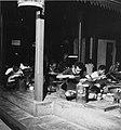 Collectie NMvWereldculturen, TM-20001970, Negatief, 'Zilversmeden aan het werk bij het bedrijf MD Moeljodihardjo', fotograaf Boy Lawson, 1971.jpg