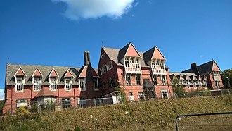 Cookridge - Cookridge Hospital Main Building