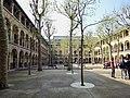 Cour lycée Molière, Paris 16e 4.jpg