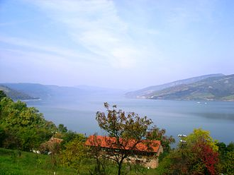 Donji Milanovac - Image: Danube near Donji Milanovac