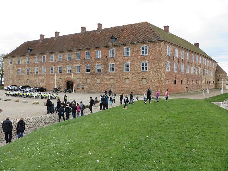 Das Schloss Sonderburg am 18. April 2014, Bild 02.JPG
