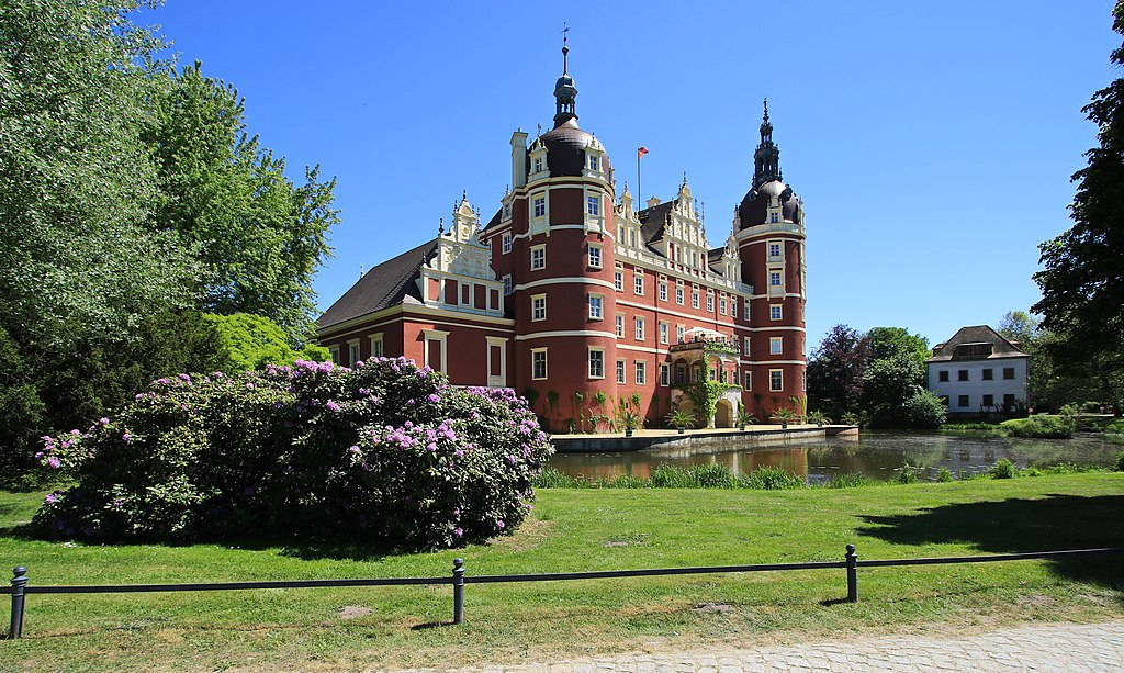 Das neue Schloss im Fürst- Pückler-Park...2H1A1233WI