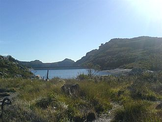 De Villiers reservoir, just to the left as the Bridle Path reaches the top of the Back Table De Villiers reservoir.jpg