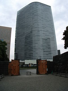 Dentsu Headquarters Building(Hamarikyu side).JPG
