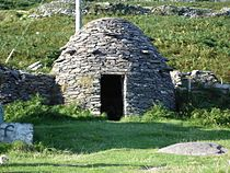 Dingle beehive hut.JPG