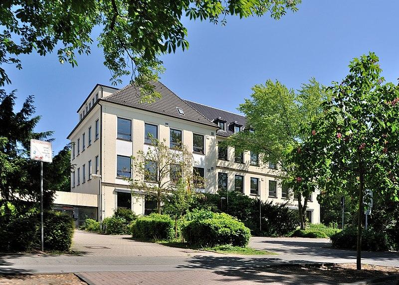 File:Dinslaken, Theodor-Heuss-Gymnasium, 2011-05 CN-01.jpg
