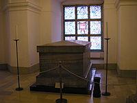 Sarkophag des Großen Kurfürsten in der Hohenzollerngruft des Berliner Doms (Quelle: Wikimedia)