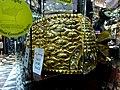 Dubai - Gold Souk - Ring of the world's top 64 kg of gold and 5.1 kg gemstones - سوق الذهب - حزام في العالم أعلى 64 كغ من الذهب والأحجار الكريمة 5.1 كغ - panoramio.jpg