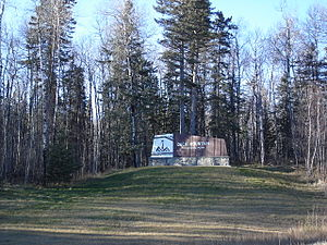 Duck Mountain Provincial Park (Manitoba) - At the entrance to Duck Mountain Park.