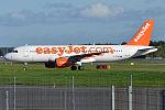 EasyJet, G-EZWD, Airbus A320-214 (21895842425).jpg