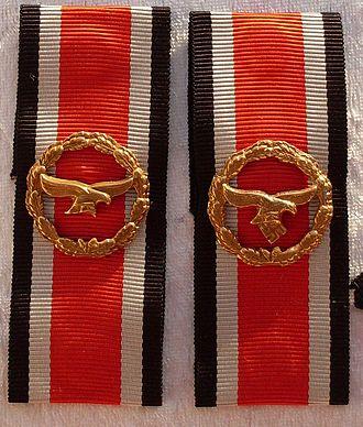 Honour Roll Clasp - Image: Ehrenblattspange Luftwaffe