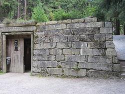 Eingang Gleißinger Fels.JPG