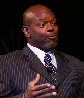 Emmitt Smith American football running back, Pro Football Hall of Famer
