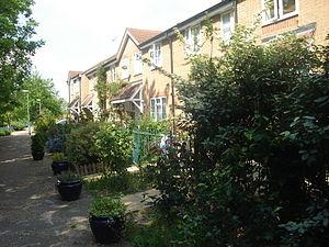 Enfield Island Village - Riverside gardens