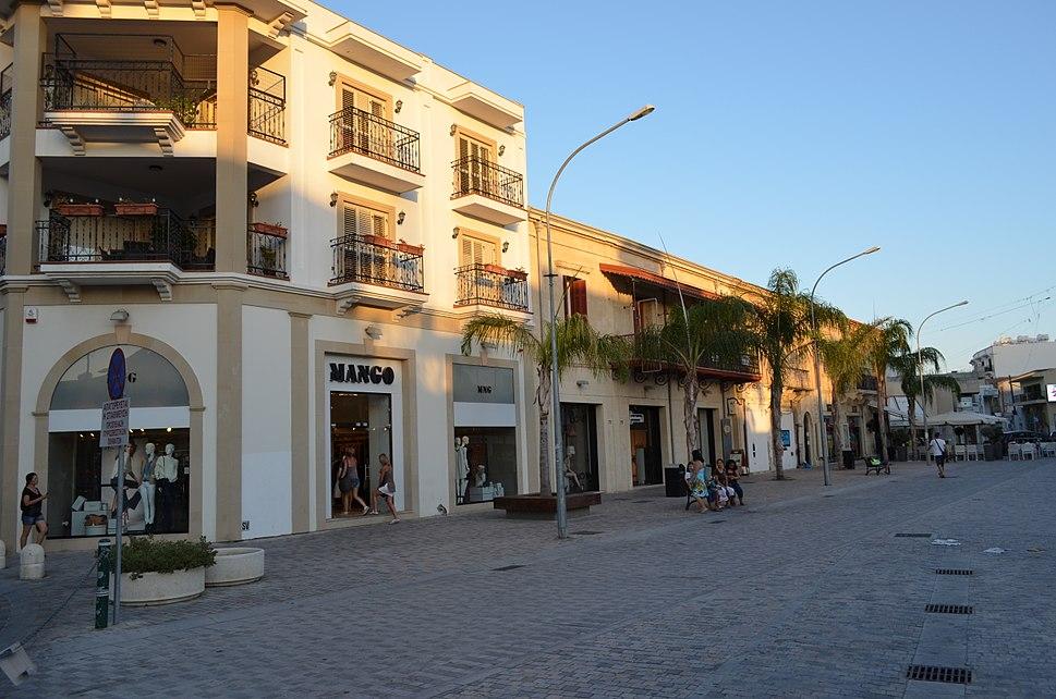 Ermou square