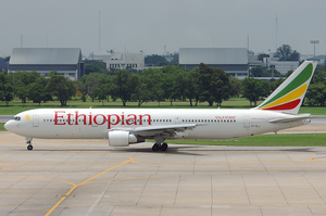 Ethiopian Airlines Boeing 767-300ER ET-ALJ DMK 2005-5-26.png