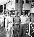 Europese atletiekkampioenschappen te Brussel Fanny Blankers-Koen (midden) gefla, Bestanddeelnr 904-1542.jpg