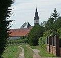Feldweg zur Laurentiuskirche - panoramio.jpg