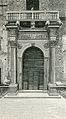 Ferrara Porta del palazzo Prosperi.jpg