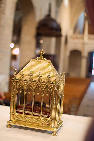 Saint-Jean-de-Maurienne - Relics of Saint John the Baptist during the festival of bread.