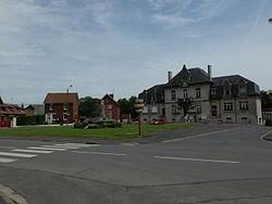 Feuchy - Place de la mairie - 2.JPG