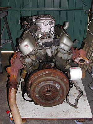 Ford Cologne V6 engine - Image: Ford Cologne V6 2.9 back