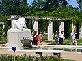 Forst-Rosengarten - Loewengruppe (Rose Garden - Lion Group) - geo.hlipp.de - 38996.jpg