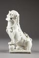 Fos hund gjord av porslin i Kina på 1600-talet - Hallwylska museet - 95548.tif