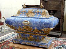 chsse en bois contenant des reliques de saint lucien saint maxien et saint julien aglise saint lucien de