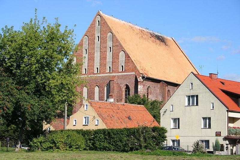 File:Frombork - kościół św. Mikołaja, ob. kotłownia.jpg