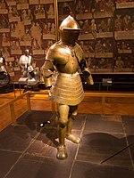 Full suit of armour (14714409302).jpg