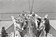 Gemini Crew Welcomed by Wasp Crew - GPN-2000-001415