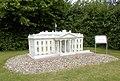 Gingst, Rügenpark, Modell Weißes Haus.jpg