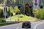 Gotthard-Strassentunnel Nord-Süd-8885.jpg