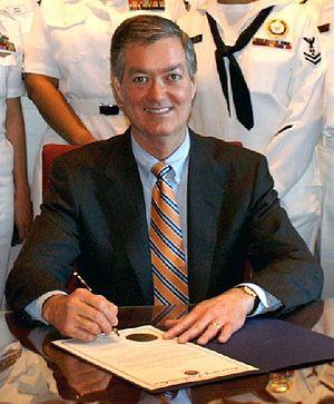 Bill Owens (Colorado politician) - Image: Governor of Colorado Bill Owens 060502 N 5324D 001 crop