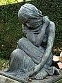 Grabskulptur auf dem Friedhof am Hörnli. Von Édouard-Marcel Sandoz (1881–1971)̠3.jpg