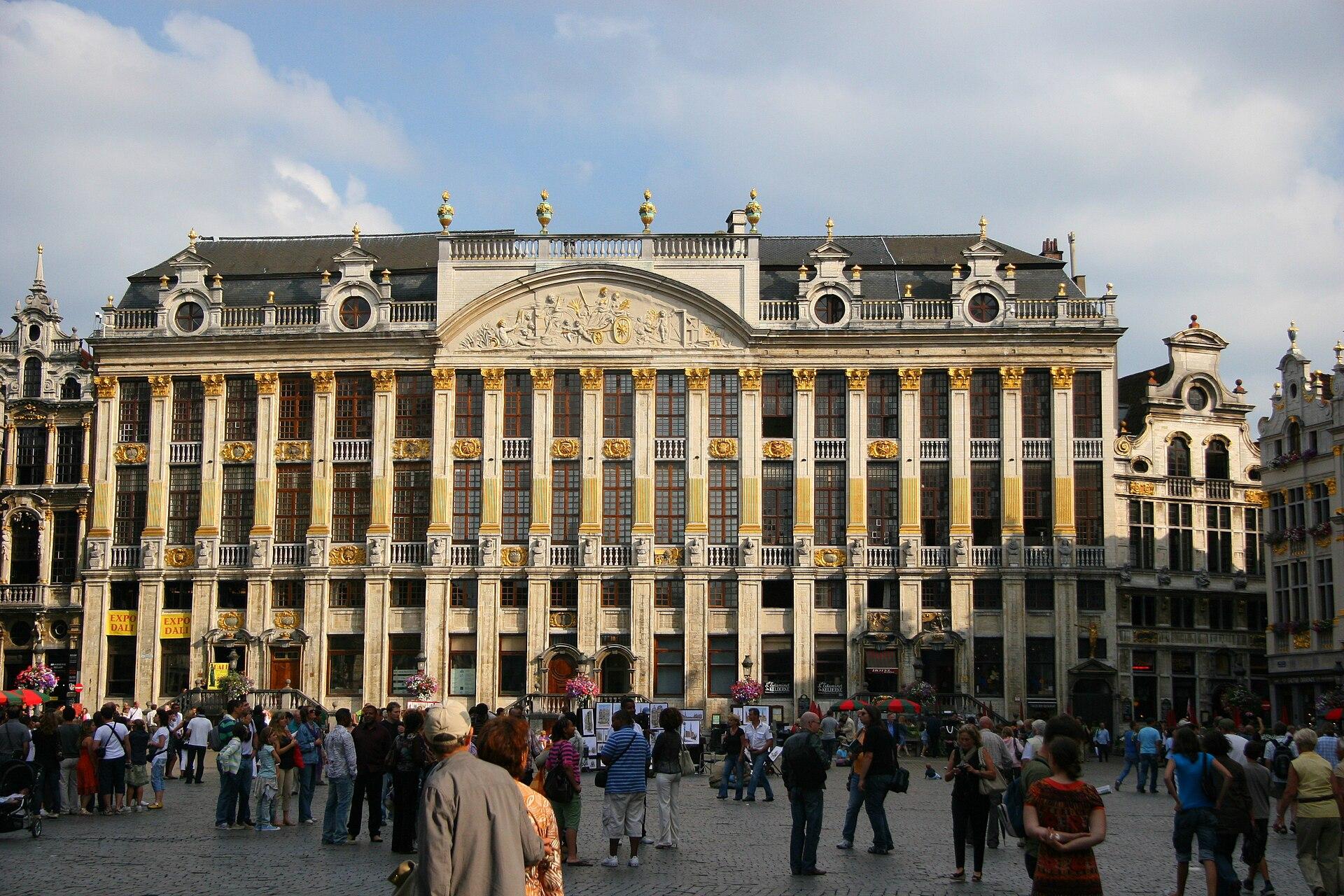 Huis van de hertogen van brabant wikipedia - Tijdschriftenrek huis van de wereld ...