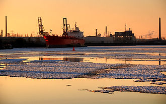 Sea ice in the Port of Hamburg, Germany Hamburg Germany Jan 6.jpg