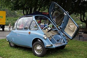 Une Heinkel Kabine 154, modèle 1957. (définition réelle 4634×3089)
