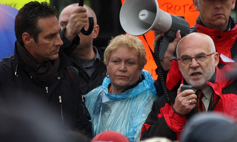 File:Heinz-Christian Strache, Hannelore Schuster, Rudolf Gehring 2009.jpg