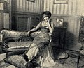 Henri Manuel - Eine Pariserin in Erwartung des Besuches, 1910.jpg