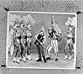 Holiday on Ice show , scene met stripfiguur Asterix, Bestanddeelnr 926-0960.jpg