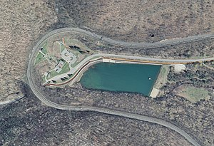 Horseshoe Curve aerial photo, March 2006.jpg
